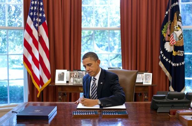 Barack Obama Signs Budget Control Act